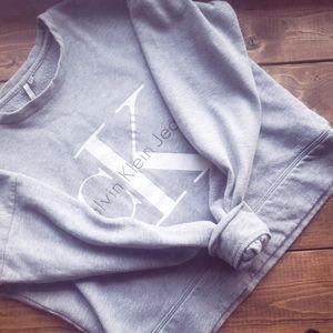 Calvin Klein- Crop Sweatshirt